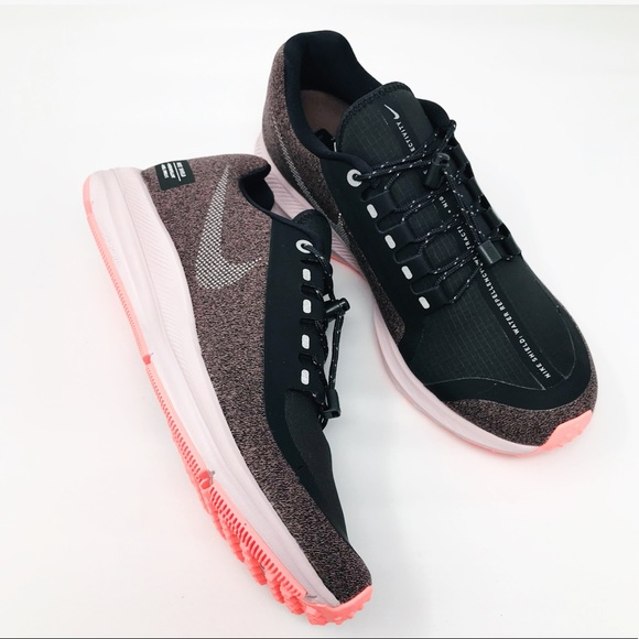 huge discount 9c55c d6895 NEW Nike Zoom Winflo 5 Run Shield Athletic Shoe NWT
